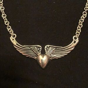 Heart with wings choker necklace Fashion jewelry